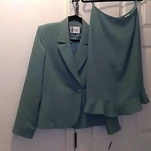 Le Suit 2-pc Suit